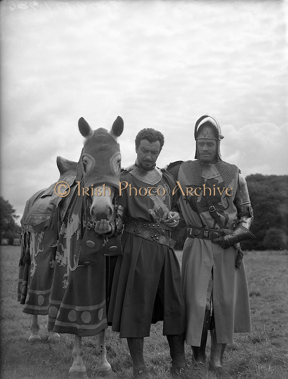 Film - 'The Knights of the Round Table' at Luttrellstown Castle, Castleknock, Co. Dublin.Robert Taylor (right) on set..25/08/1953