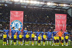 LONDON, ENGLAND - Wednesday, May 6, 2009: Chelsea players line-up to face Barcelona before the UEFA Champions League Semi-Final 2nd Leg match at Stamford Bridge. (Photo by Carlo Baroncini/Propaganda)