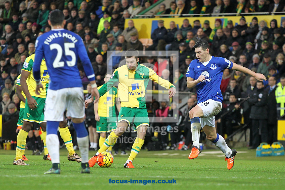 Jonny Howson of Norwich has a shot on goal during the Barclays Premier League match at Carrow Road, Norwich<br /> Picture by Paul Chesterton/Focus Images Ltd +44 7904 640267<br /> 12/12/2015
