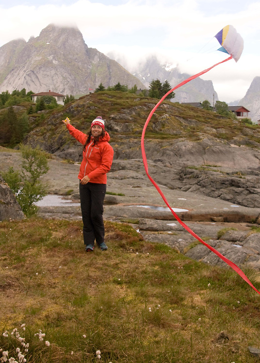 The joys of a travel kite in the Lofoten Islands.