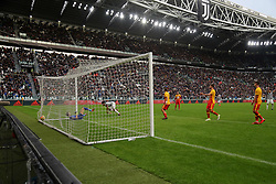 November 5, 2017 - Turin, Italy - Juan Cuadrado (Juventus FC) scores the goal of the Juventus victory during the Serie A football match between Juventus FC and Benevento Calcio on 05 November 2017 at Allianz Stadium in Turin, Italy. Juventus win 2-1 over Benevento. (Credit Image: © Massimiliano Ferraro/NurPhoto via ZUMA Press)