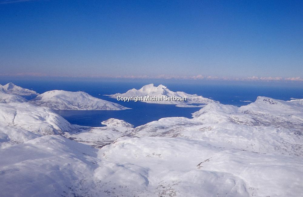 = Fjords around Alta city  Lapland  Norway     /// Fjords enneigés autour de Alta   Laponie,   Norvege   +     L004761  /  R00330  /  P111302
