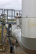 Mannheim. 06.03.17 | BILD- ID 062 |<br /> Friesenheimer Insel. BASF Anlage. Produktion im Werksteil Friesenheimer Insel. <br /> In den Produktionsanlagen der BASF werden Rohstoffe durch chemische Reaktionen in<br /> andere Stoffe umgewandelt. Dies geschieht bei den Anlagen im Werksteil Friesenheimer<br /> Insel im ständigen Durchlauf (kontinuierliche Produktion). Dabei laufen die Reaktionen<br /> unter hohem Druck und erhöhter Temperatur ab. Einsatzstoffe und erzeugte Stoffe werden<br /> zwischengelagert und per Rohrleitung, Tankschiff, Kesselwagen und Tankzug bezogen oder abtransportiert. <br /> Bild: Markus Prosswitz 06MAR17 / masterpress (Bild ist honorarpflichtig - No Model Release!)