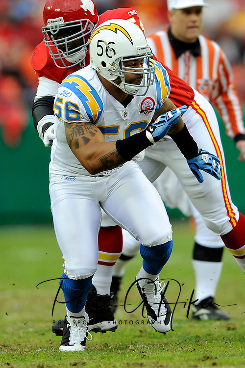 October 25, 2009:  Linebacker Shawne Merriman #56 of the San Diego Chargers during a game against the Kansas City Chiefs at Arrowhead Stadium in Kansas City, Missouri.  The Chargers defeated the Chiefs 37-7...