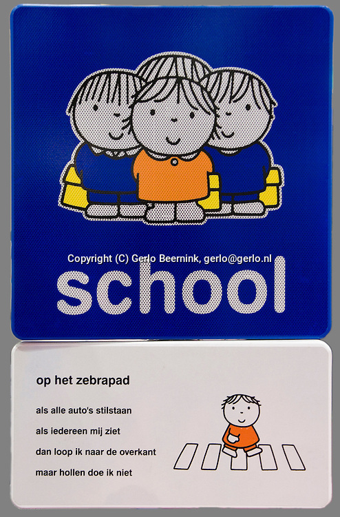 Nederland, Den Bosch, 20101105..Speciale Nijntje bord voor bij een oversteekplaats. Dick Bruna..Netherlands, Den Bosch, 20101105..Special Miffy board for a crosswalk. Dick Bruna.