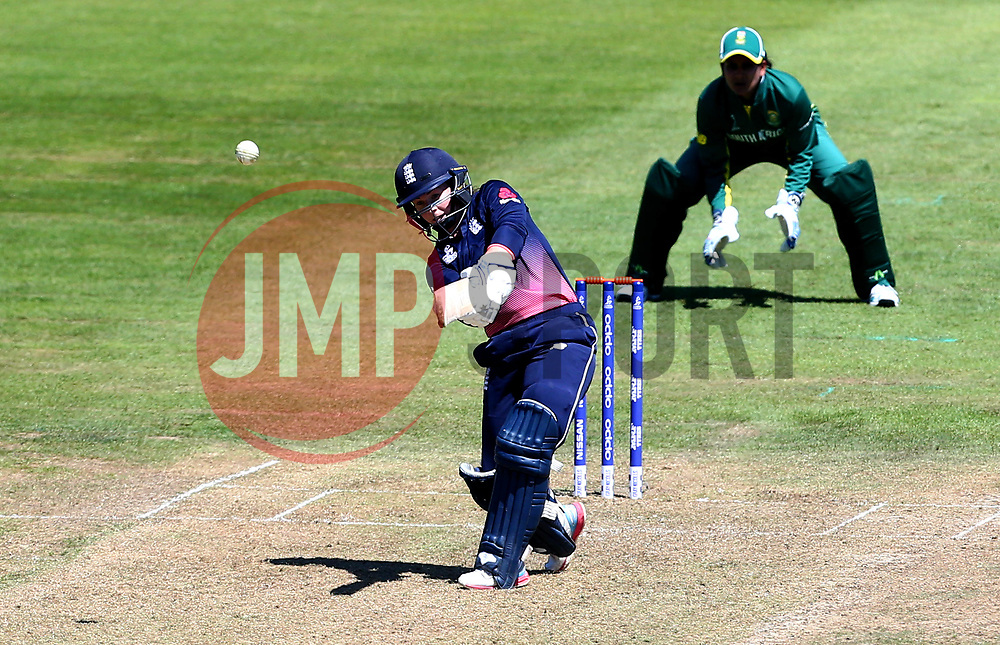 Tammy Beaumont of England Women - Mandatory by-line: Robbie Stephenson/JMP - 05/07/2017 - CRICKET - County Ground - Bristol, United Kingdom - England Women v South Africa Women - ICC Women's World Cup Group Stage