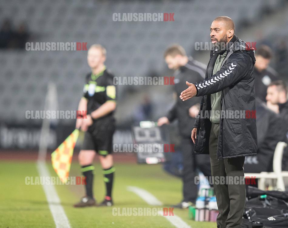 FODBOLD: Cheftræner David Nielsen (AGF) under kampen i ALKA Superligaen mellem AGF og FC Helsingør den 13. april 2018 i Ceres Park. Foto: Claus Birch.