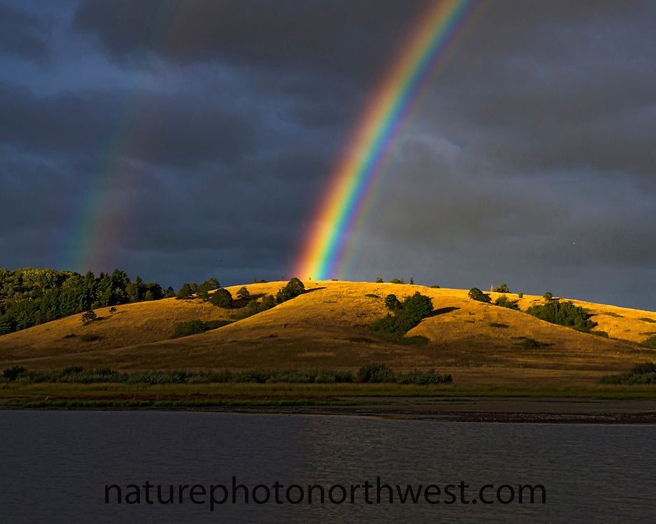 Rainbow at Baskett Slough National Wildlife Refuge, Oregon, USA, North America