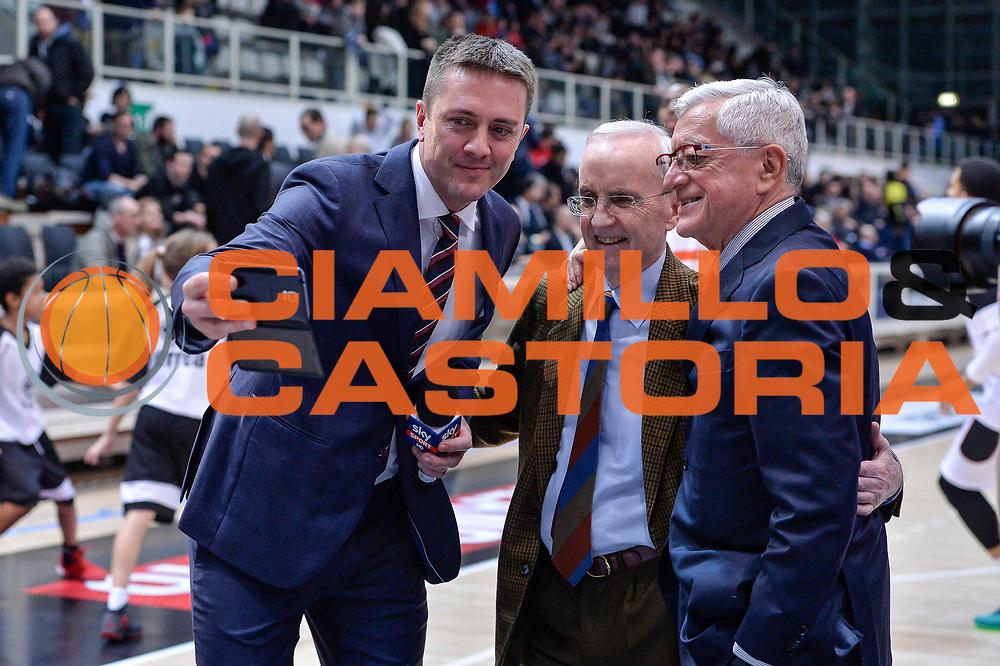 DESCRIZIONE : Trento Beko All Star Game 2016<br /> GIOCATORE : Alessandro Mamoli Selfie Valerio Bianchini Dan Peterson<br /> CATEGORIA : Ritratto Curiosit&agrave; Allenatore Coach<br /> SQUADRA : Sky Sport TV<br /> EVENTO : Beko All Star Game 2016<br /> GARA : Beko All Star Game 2016<br /> DATA : 10/01/2016<br /> SPORT : Pallacanestro <br /> AUTORE : Agenzia Ciamillo-Castoria/L.Canu