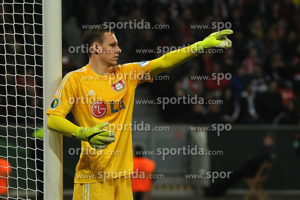 08.04.2015, BayArena, Leverkusen, GER, DFB Pokal, Bayer 04 Leverkusen vs FC Bayern Muenchen, Viertelfinale, im Bild Torhueter Bernd Leno ( Bayer 04 Leverkusen ) gibt Anweisungen. // during the German DFB Pokal quarter final match between Bayer 04 Leverkusen and FC Bayern Munich at the BayArena in Leverkusen, Germany on 2015/04/08. EXPA Pictures &copy; 2015, PhotoCredit: EXPA/ Eibner-Pressefoto/ Thienel<br /> <br /> *****ATTENTION - OUT of GER*****