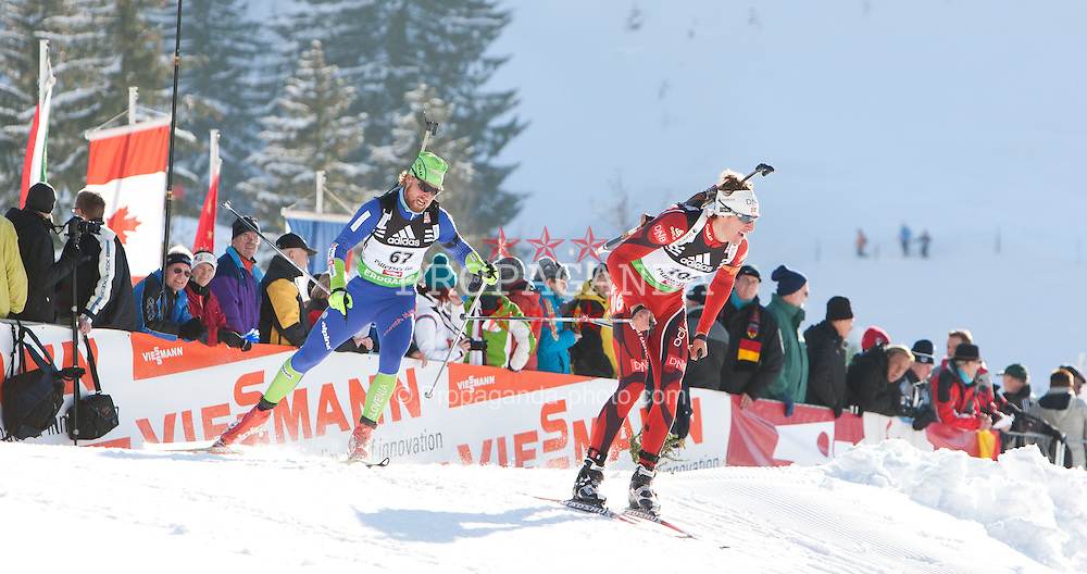 09.12.2011, Biathlonzentrum, Hochfilzen, AUT, E.ON IBU Weltcup, 2. Biathlon, Herren 10km Sprint, im Bild Klemen Bauer (SLO) und vorne Lars Berger (NOR) // Klemen Bauer of Slovenia and Lars Berger of Norway during men 10km Sprint at E.ON IBU Worldcup 2th Biathlon, Hochfilzen, Austria on 2011/12/09. EXPA Pictures © 2011, PhotoCredit: EXPA/ Johann Groder