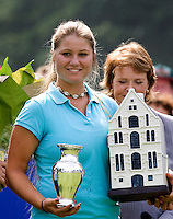 KLM OPEN LADIES 2007. De Belgische Benedicte Toumpsin (r) was de beste amateur. COPYRIGHT KOEN SUYK
