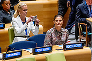 24-9-2018 NEW YORK Crownprincess Victoria hugs Dutch Princess Mabel United Nations building for the General Assembly prinses mabel en prinses victoria zweden in new york bij de verenigde naties ROBIN UTRECHT