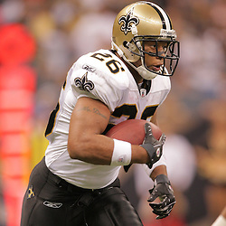 2008 September 28: New Orleans Saints running back Deuce McAllister (26) in action during the NFL week four game between the San Francisco 49ers and the New Orleans Saints at the Louisiana Superdome in New Orleans, LA.