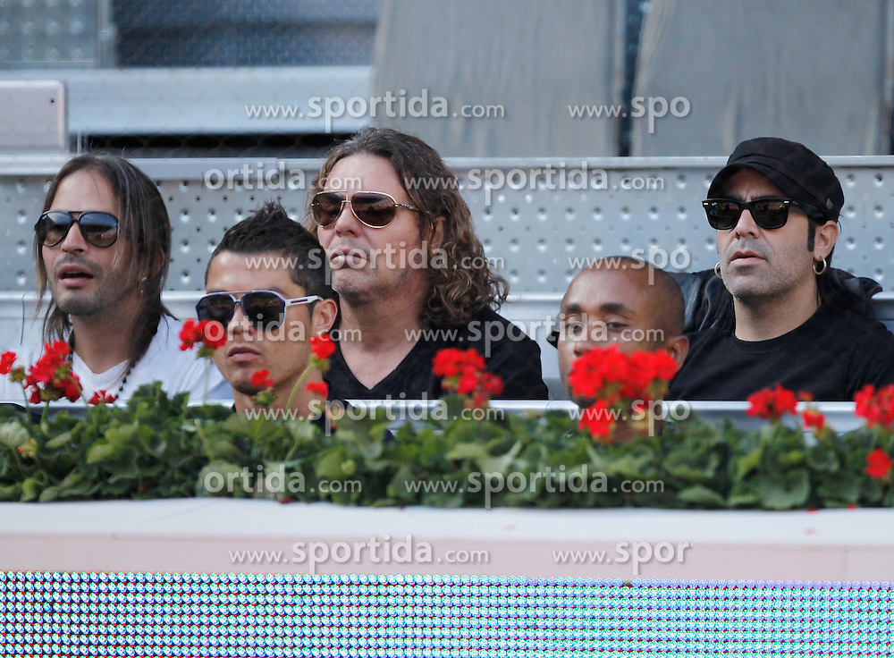 04.05.2011, Marid, ESP, ATP World Tour, im Bild Real Madrid's Cristiano Ronaldo (center foreground) and Manas rock band members in backgorund Sergio (L), Fehr (C) and Alex (R) during Mutua Madrid Tennis Open on May 4rd, 2011. EXPA Pictures © 2011, PhotoCredit: EXPA/ Alterphotos/ Alvaro Hernandez +++++ ATTENTION - OUT OF SPAIN / ESP +++++