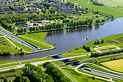 Nederland, Friesland, Súdwest-Fryslân, 07-05-2018; <br /> Sneek, Aquaduct De Geeuw (Fries: Geau-akwadukt),  N7 en riviertje De Geau.<br /> <br /> luchtfoto (toeslag op standard tarieven);<br /> aerial photo (additional fee required);<br /> copyright foto/photo Siebe Swart