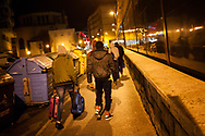 Some African migrants who arrived on the night bus decide to go with their contact instead of going to the Red Cross device with volunteers. Irun (Basque Country). January 3, 2019. A group of volunteers has created a host network to serve migrants and inform about the public services they are entitled to and the ways to cross the border. This group of volunteers is avoiding a serious humanitarian problem Irun, the Basque municipality on the border with Hendaye. As the number of migrants arriving on the coasts of southern Spain incresead, more and more migrants are heading north to the border city of Irun. French authorities have reacted by conducting random checks as far as the city of Bordeaux, more than 200 kilometers north of the border. Migrants who are caught are then deported back to Irun. (Gari Garaialde / Bostok Photo).