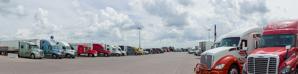 https://Duncan.co/trucks-at-the-worlds-largest-truck-stop-2