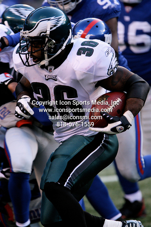 January 11, 2009: Philadelphia Eagles running back Brian Westbrook carries the ball during the Philadelphia Eagles 23-10 victory over the New York Giants in their NFC Divisional game at Giants Stadium in East Rutherford, NJ.