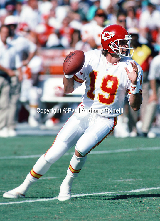 Kansas City Chiefs quarterback Joe Montana (16) drops back to pass during the NFL football game against the San Diego Chargers on Oct. 17, 1993 in San Diego. The Chiefs won the game 17-14. (©Paul Anthony Spinelli)