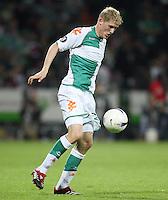 Fussball  UEFA Pokal  Halbfinale  Rueckspiel  Saison 2006/2007 Werder Bremen - Espanyol Barcelona              Kevin SCHINDLER (Bremen), Einzelaktion am Ball