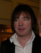 Julian Lloyd Webber. South Bank Show Awards, The Savoy Hotel. London. 27 January 2005. ONE TIME USE ONLY - DO NOT ARCHIVE  © Copyright Photograph by Dafydd Jones 66 Stockwell Park Rd. London SW9 0DA Tel 020 7733 0108 www.dafjones.com