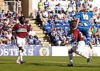 Photo: Daniel Hambury.<br /> Reading v Burnley. Coca Cola Championship.<br /> 29/08/2005.<br /> Reading's Kevin Doyle scores the second goal.
