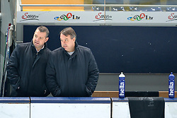 05.01.2016, Olympia-Eisstadion, München, GER, DEL, EHC Red Bull München vs Hamburg Freezers, 34. Runde, im Bild Serge Aubin, Trainer (Hamburg Freezers), Stephane Richer CoTrainer (Hamburg Freezers), v.li. // during the German DEL Icehockey League 34th round match between EHC Red Bull München and Hamburg Freezers at the Olympia-Eisstadion in München, Germany on 2016/01/05. EXPA Pictures © 2016, PhotoCredit: EXPA/ Eibner-Pressefoto/ Buthmann<br /> <br /> *****ATTENTION - OUT of GER*****