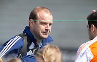 ROTTERDAM - HOCKEY -  Assitent trainer Eric Verboom tijdens de oefenwedstrijd tussen de mannen van Nederland en Engeland (2-1) . FOTO KOEN SUYK