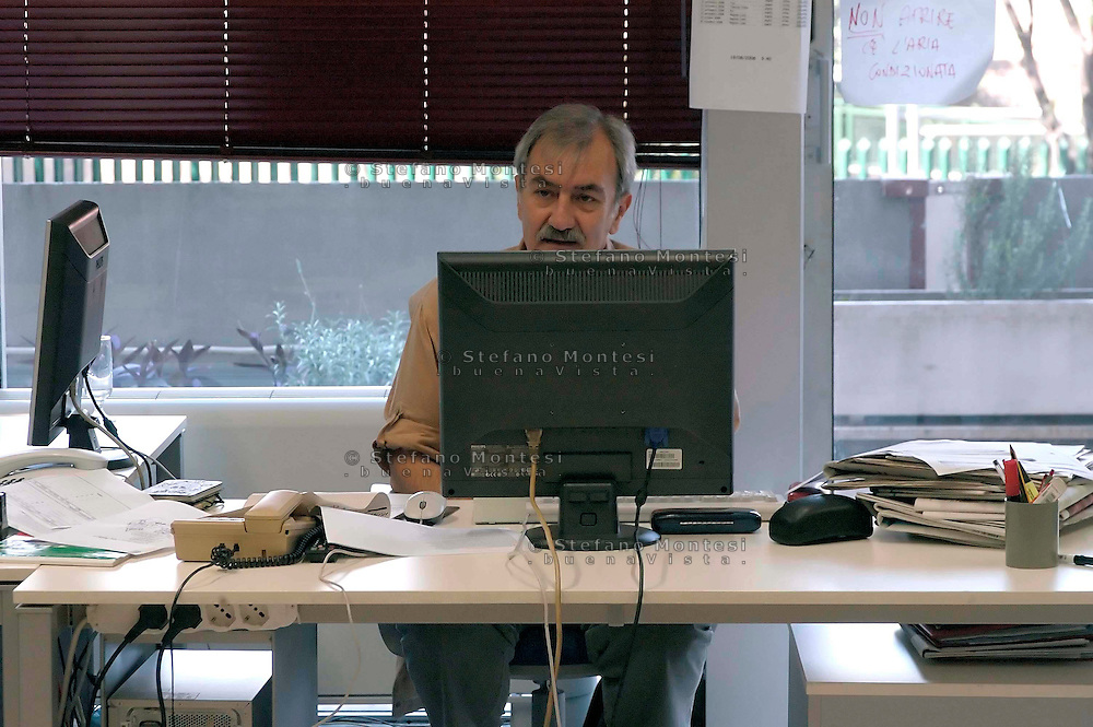 Roma 1 Settembre 2008. Riunione di redazione al quotidiano Il Manifesto..Tommaso Di Francesco.