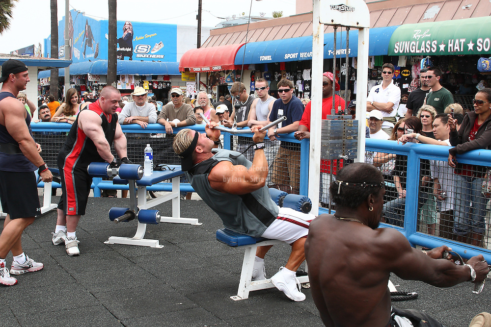 Mr. Olympia, Jay Cutler doing reverse pull downs, working out in the pit at world famous Muscle Beach at Venice Beach California.