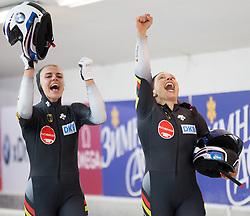 13.02.2016, Olympiaeisbahn Igls, Innsbruck, AUT, FIBT WM, Bob und Skeleton, Zweierbob Damen, 4. Lauf, im Bild Goldmedaillengewinnerinen v.l. Annika Drazek und Anja Schneiderheinze (GER) // World Champions and Gold medalists Anja Schneiderheinze ( R ) and Annika Drazek of Germany ( L ) react after their two woman Bobsleigh 2nd run of FIBT Bobsleigh and Skeleton World Championships at the Olympiaeisbahn Igls in Innsbruck, Austria on 2016/02/13. EXPA Pictures © 2016, PhotoCredit: EXPA/ Johann Groder