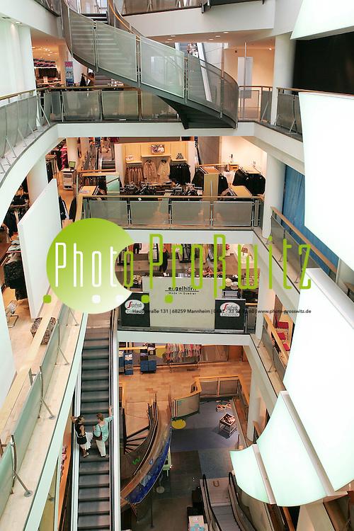 Mannheim. Planken Modehaus Engelhorn &amp; Sturm<br /> <br /> Bild: Markus Pro&szlig;witz<br /> ++++ Archivbilder und weitere Motive finden Sie auch in unserem OnlineArchiv. www.masterpress.org ++++