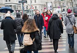 """27.03.2018, Schottentor, Wien, AUT, SPÖ, Fotoaktion mit dem Titel """"Ach du faules Ei!"""". im Bild SPÖ-Bundesgeschäftsführer Max Lercher und stv. SPÖ-Bundesgeschäftsführerin Andrea Brunner // during photo opportunity of the austrian social democratic party in Vienna, Austria on 2018/03/27. EXPA Pictures © 2018, PhotoCredit: EXPA/ Michael Gruber"""