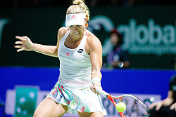 Angelique Kerber w‰hrend ihres Auftakteinzels gegen D. Cibulkova bei den Tennis WTA Finals 2016 in Singapur / 231016 ***Angelique Kerber during her kick-off against Dominika_Cibulkova at the WTA Finals 2016 in Singapore, October 23, 2016 ***