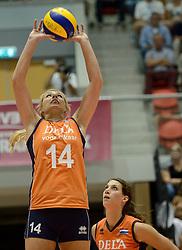 08-08-2014 NED: FIVB Grand Prix Nederland - Puerto Rico, Doetinchem<br /> Laura Dijkema, Robin de Kruijf