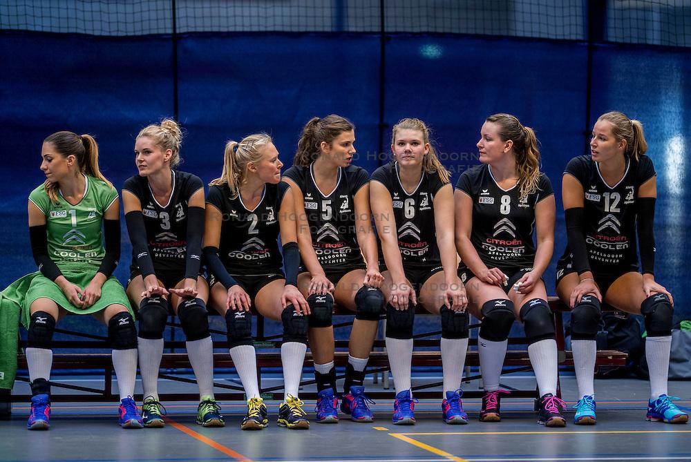 22-10-2016 NED: TT Papendal/Arnhem - Coolen Alterno, Arnhem<br /> Alterno heeft haar eerste overwinning binnen in de eredivisie. Na twee nederlagen schreef de Apeldoornse ploeg zaterdagmiddag in Valkenhuizen een 0-3 zege bij / Team Alterno