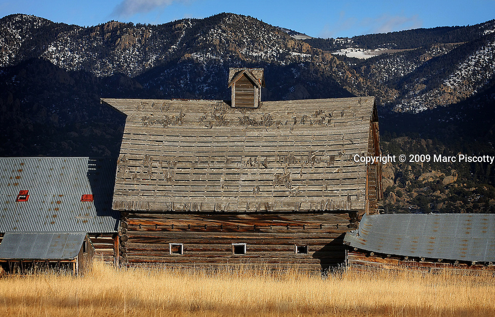 SHOT 1/12/09 4:29:23 PM - A rustic barn in Nathrop, Co. Nathrop is a ghost town[1] and a U.S. Post Office located in Chaffee County, Colorado, United States. Nathrop was named for Charles Nachtrieb, owner of the townsite..(Photo by Marc Piscotty / © 2009)