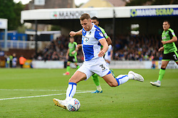 Lee Brown of Bristol Rovers prepares to cross the ball - Mandatory by-line: Dougie Allward/JMP - 30/09/2017 - FOOTBALL - Memorial Stadium - Bristol, England - Bristol Rovers v Plymouth Argyle - Sky Bet League One
