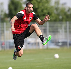 07.07.2015, Trainingsplatz, Augsburg, GER, 1. FBL, FC Augsburg, Training, im Bild Sascha Moelders, Moelders (FC Augsburg #33) fixiert den Ball im Sprung, // during a Traings Session of German Bundesliga Club FC Augsburg at the Trainingsplatz in Augsburg, Germany on 2015/07/07. EXPA Pictures © 2015, PhotoCredit: EXPA/ Eibner-Pressefoto/ Krieger<br /> <br /> *****ATTENTION - OUT of GER*****