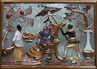 Decorated lid of snuff box from Versailles, housed at the Louvre