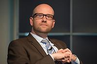 """13 JUN 2012, BERLIN/GERMANY:<br /> Dr. Peter Tauber, CDU, MdB, Mitglied der Internet-Enquetekommission, CDU/CSU, Diskussionsveranstaltung """"Neue Prespektiven im Urheberrecht"""", Verband Privater Rundfunk und Telemedien e.V., vprt, Bertelsmann-Repräsentanz<br /> IMAGE: 20120613-01-247"""