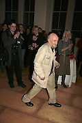 GUSTAV METZGER, THE PAUL HAMLYN FOUNDATION AWARDS FOR VISUAL ARTS 2006. Royal Academy. London. 9 November 2006. ONE TIME USE ONLY - DO NOT ARCHIVE  © Copyright Photograph by Dafydd Jones 66 Stockwell Park Rd. London SW9 0DA Tel 020 7733 0108 www.dafjones.com