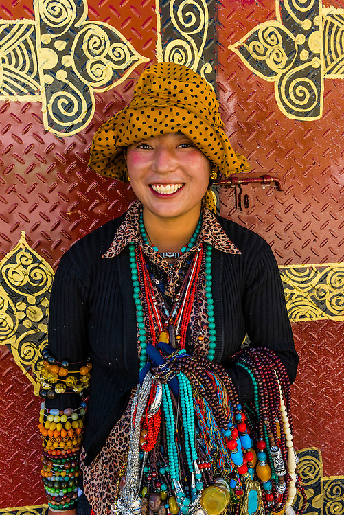 Vendors selling jewelry, Tibet (Xizang), China.