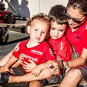 © María Muiña I MAPFRE: María Bertrand con sus niños Alexander e Ignacio.