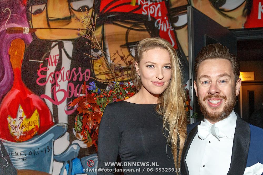 NLD/Amsterdam/20151017 - Inloop JFK Greatest Man Award 2015, Selwyn Salvatore en partner Irene Klaasen