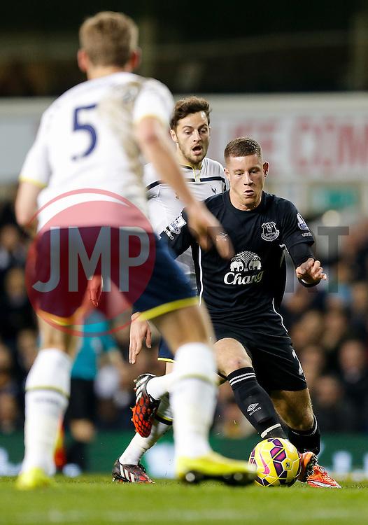 Ross Barkley of Everton in action - Photo mandatory by-line: Rogan Thomson/JMP - 07966 386802 - 30/11/2014 - SPORT - FOOTBALL - London, England - White Hart Lane - Tottenham Hotspur v Everton - Barclays Premier League.