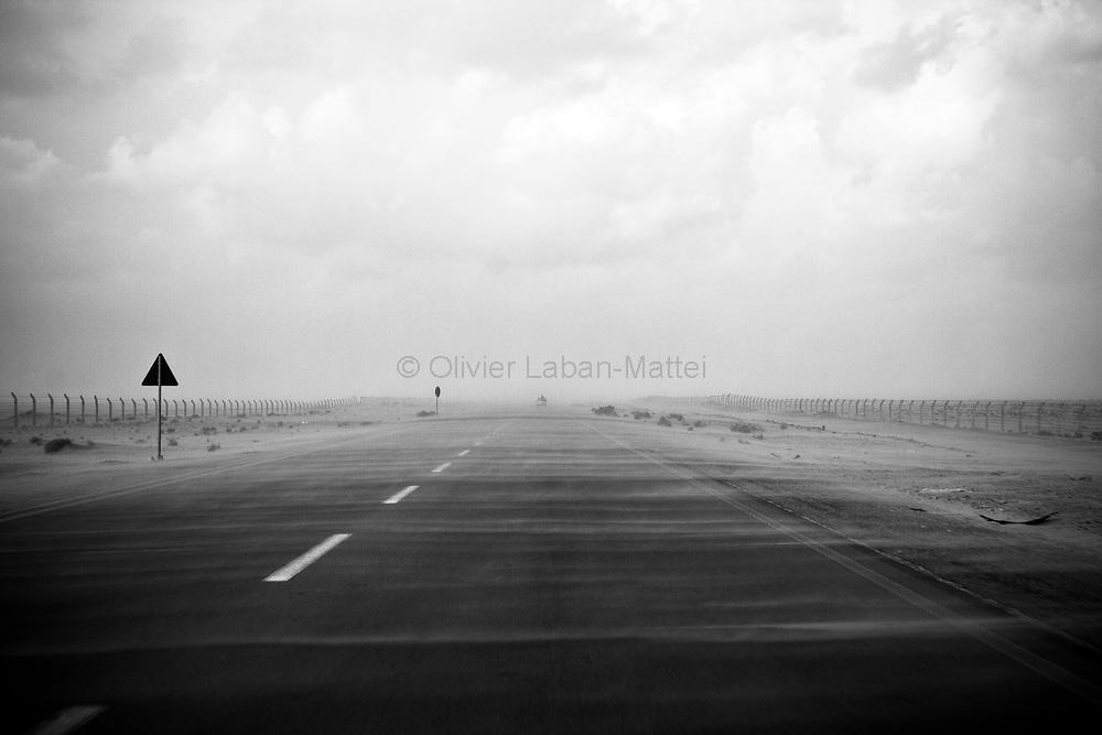 Vue de la route entre Aj Dabiya et Brega, réalisée le 31 mars 2011.