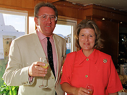 SIR DAVID & LADY STEEL at a reception in London on 26th July 1999.<br /> MUN 23