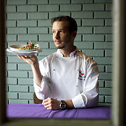 DIGITAL PHOTO BY SUSANNA FROHMAN. SAN JOSE MERCURY NEWS. 11.25.01<br /> Patrick Roney is executive chef at the Flea Street Cafe in Menlo Park.<br /> STORY: After 20 years, Flea Street is still the Peninsula's most innovative restaurant with fresh, organic foods.